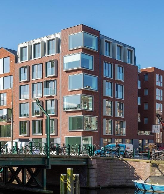 OntwerpJeWoning ontwikkelt aan de Bilderdijkkade het project De Hallen Noord